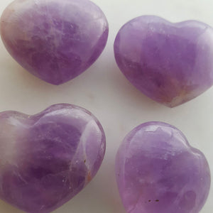 Chevron Amethyst Heart (pale. assorted. approx. 3x3.5x1.5cm)
