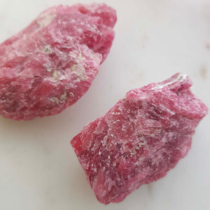 Rhodonite Rough Rock (approx. 5-7x3-4cm)