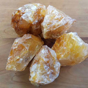 Golden Quartz Rough Rock (assorted. approx. 8x5x5cm)