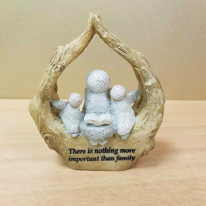There is Nothing More Important Than Family (approx. 10x9x3cm)