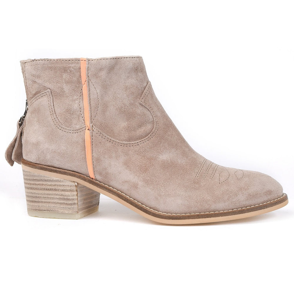 Alpe Neon Boots - Baby Silk, Nude
