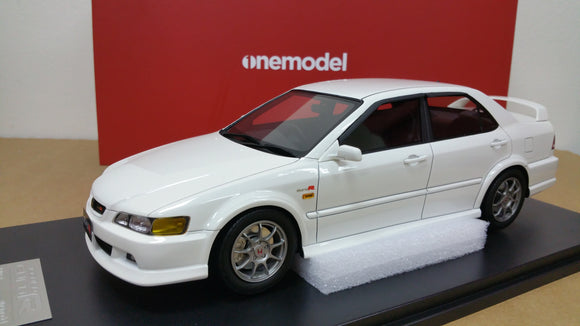 1:18 OneModel Honda Accord Euro R CL1