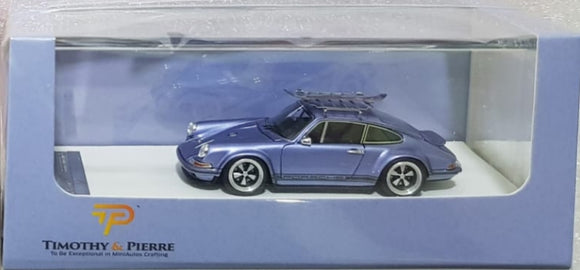 1:64 Timothy & Pierre Singer 911 w Luggage Rack & Surf Board