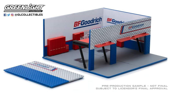 1:64 Greenlight Mechanic's Corner Series 4 - Weekend Workshop BFGoodrich