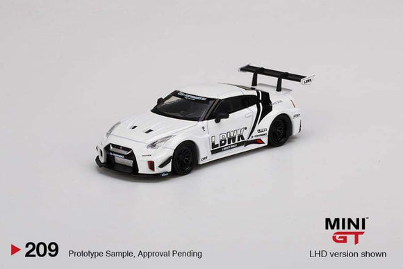 ☆Preorder☆ 1:64 Mini GT LB Silhouette Works GT Nissan 35GT RR Ver. 2 White LBWK - MGT00209R