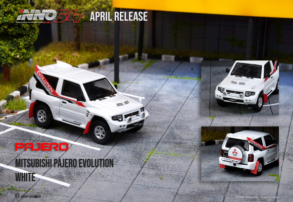 1:64 Inno64 Mitsubishi Pajero Evolution White
