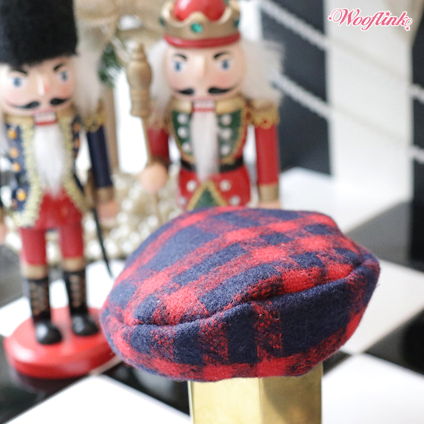 holiday mood beret - merry red