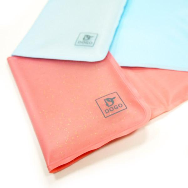 iCool carrier pad - pink or blue