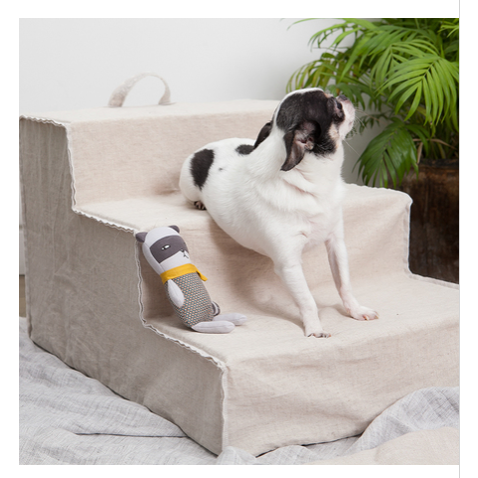 louis dog linen step