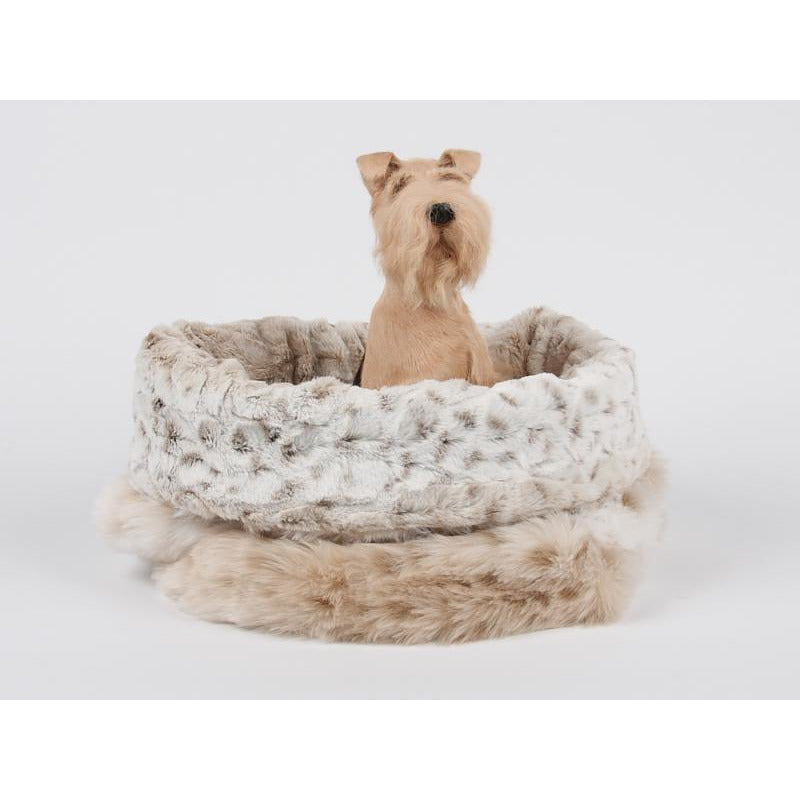 cuddle cup bed - artic snow with ivory rosettes