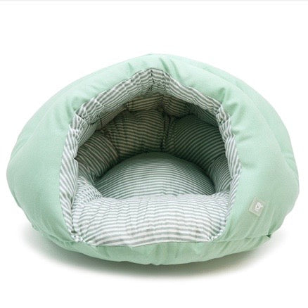 burger bed - solid green