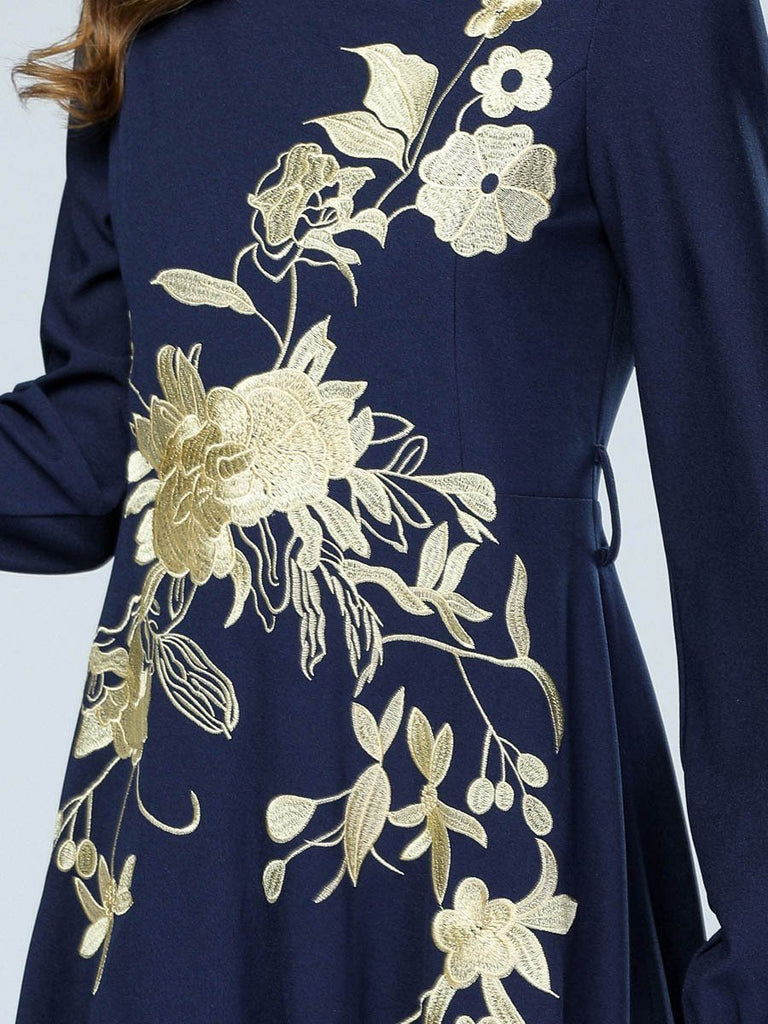 Heavy-duty embroidered large swing loose long-sleeved dress