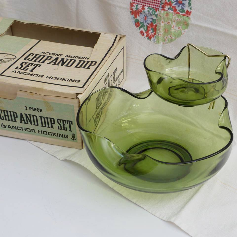 "Mid Century Anchor Hocking ""Accent Modern"" Chips and Dip Set with the original box!"