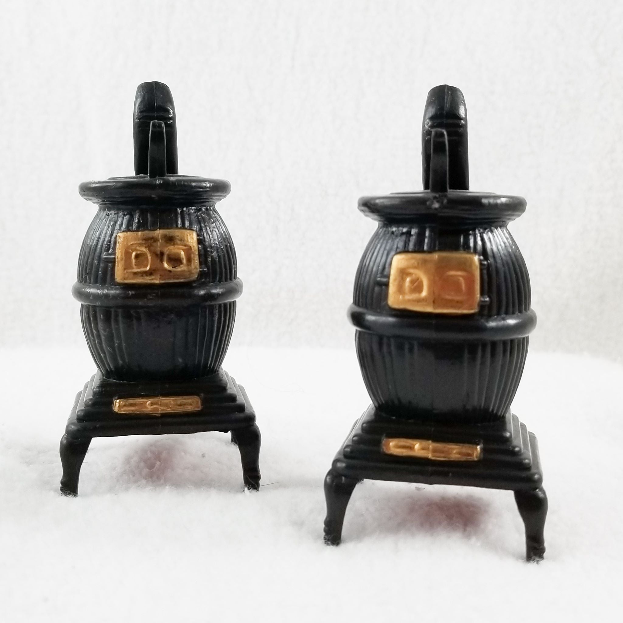 Kitchy Plastic Pot Belly Stove Vintage Salt and Pepper Shakers