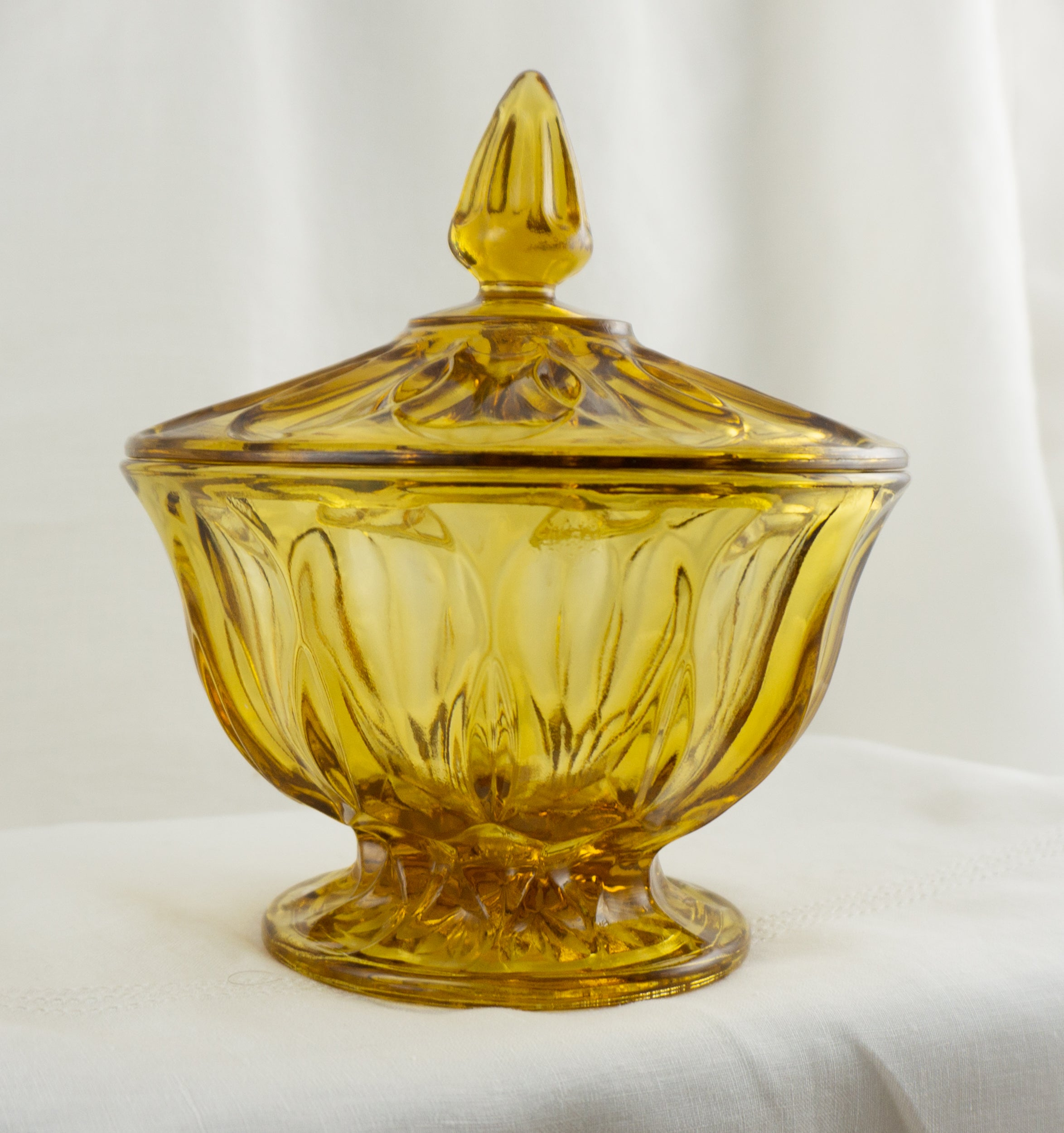 Fairfield Amber by ANCHOR HOCKING Footed Candy Dish with Lid