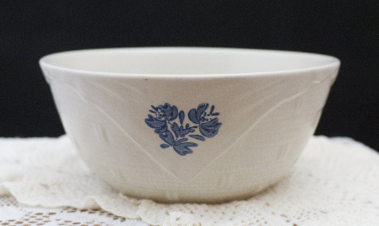 Vintage Beige and Blue Stoneware Basketweave Bowl Yorktowne (USA) by PFALTZGRAFF