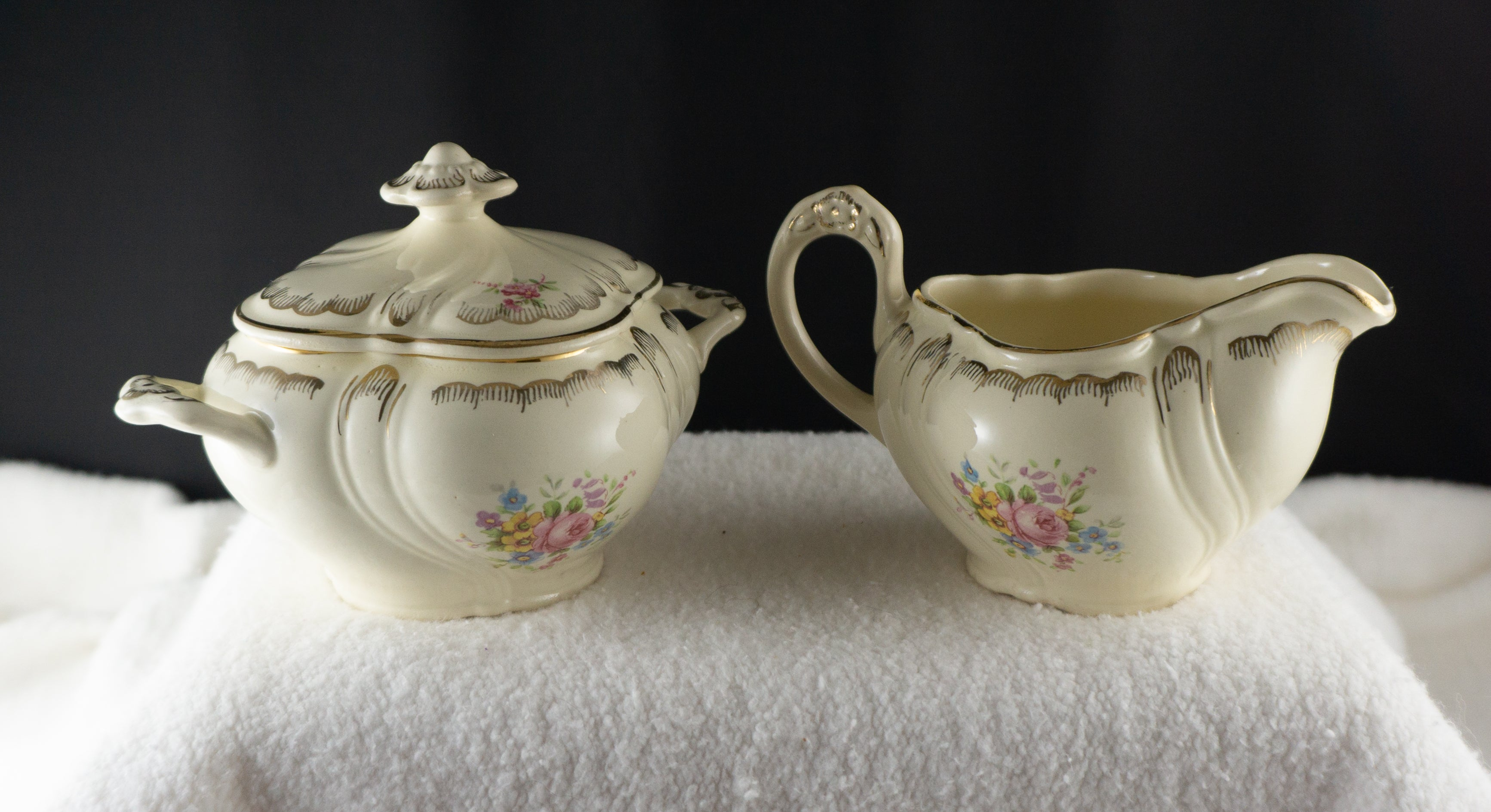 TAYLOR, SMITH & Taylor TS and T TST361 Cream Pitcher and Sugar Bowl with Lid