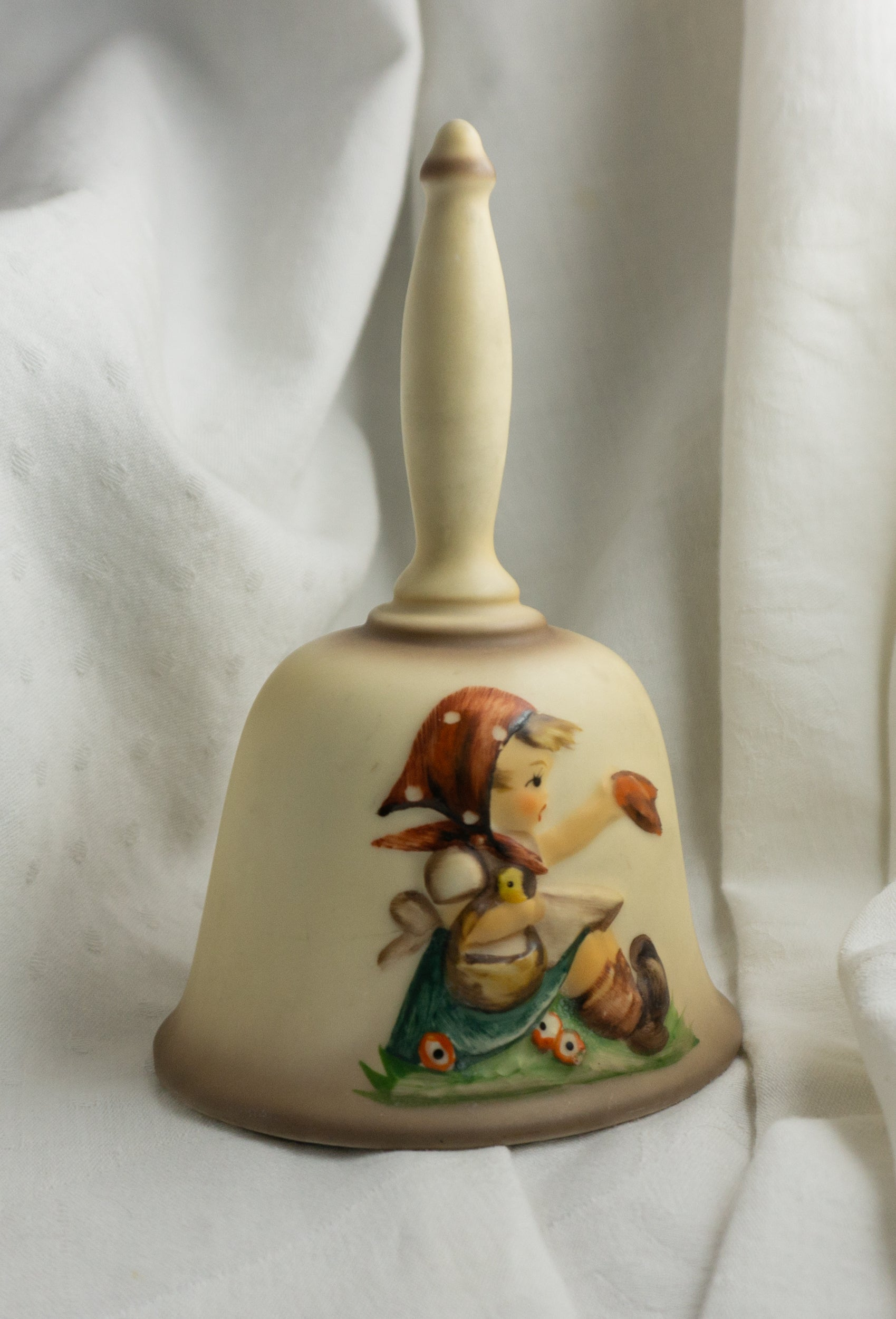 Goebel Hummel Little Girl Collectible Bell 1979 HUM 701