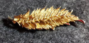 Vintage Signed Hattie Carnegie High Relief Gold Tone Brooch