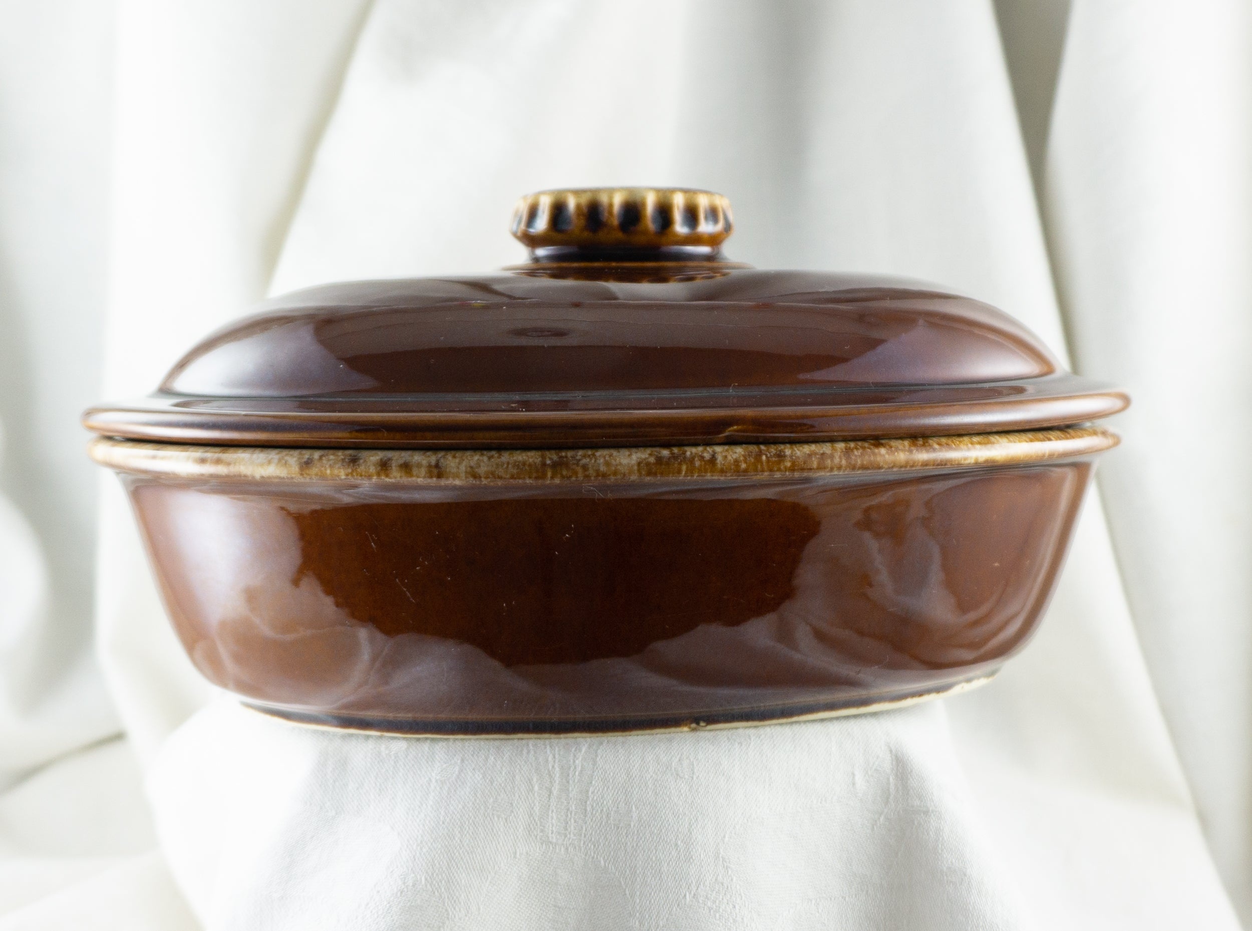 Hull Pottery Brown Drip Oval Covered Vegetable Bowl