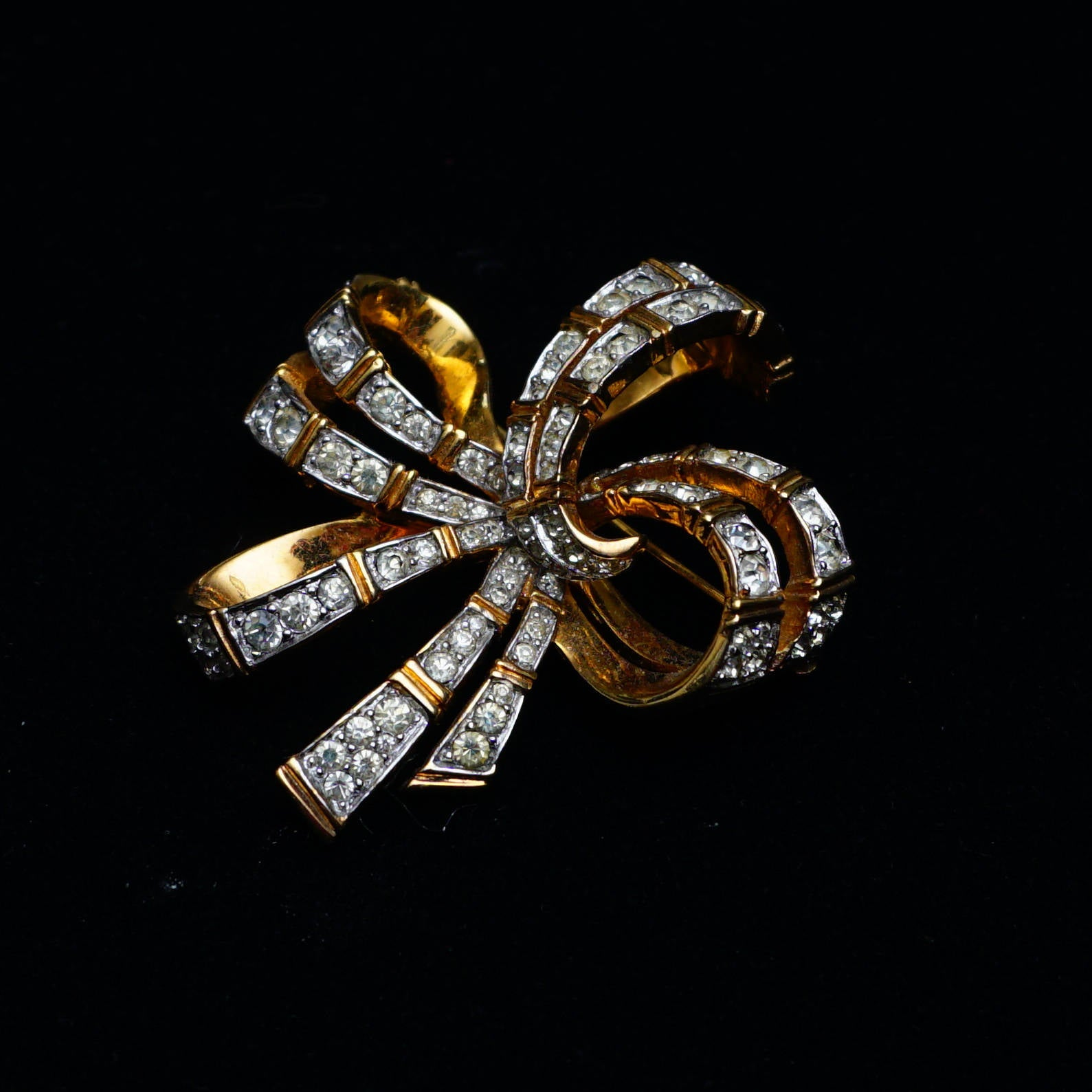 Vintage Signed Jomaz Large Bow Rhinestone and Goldtone Brooch