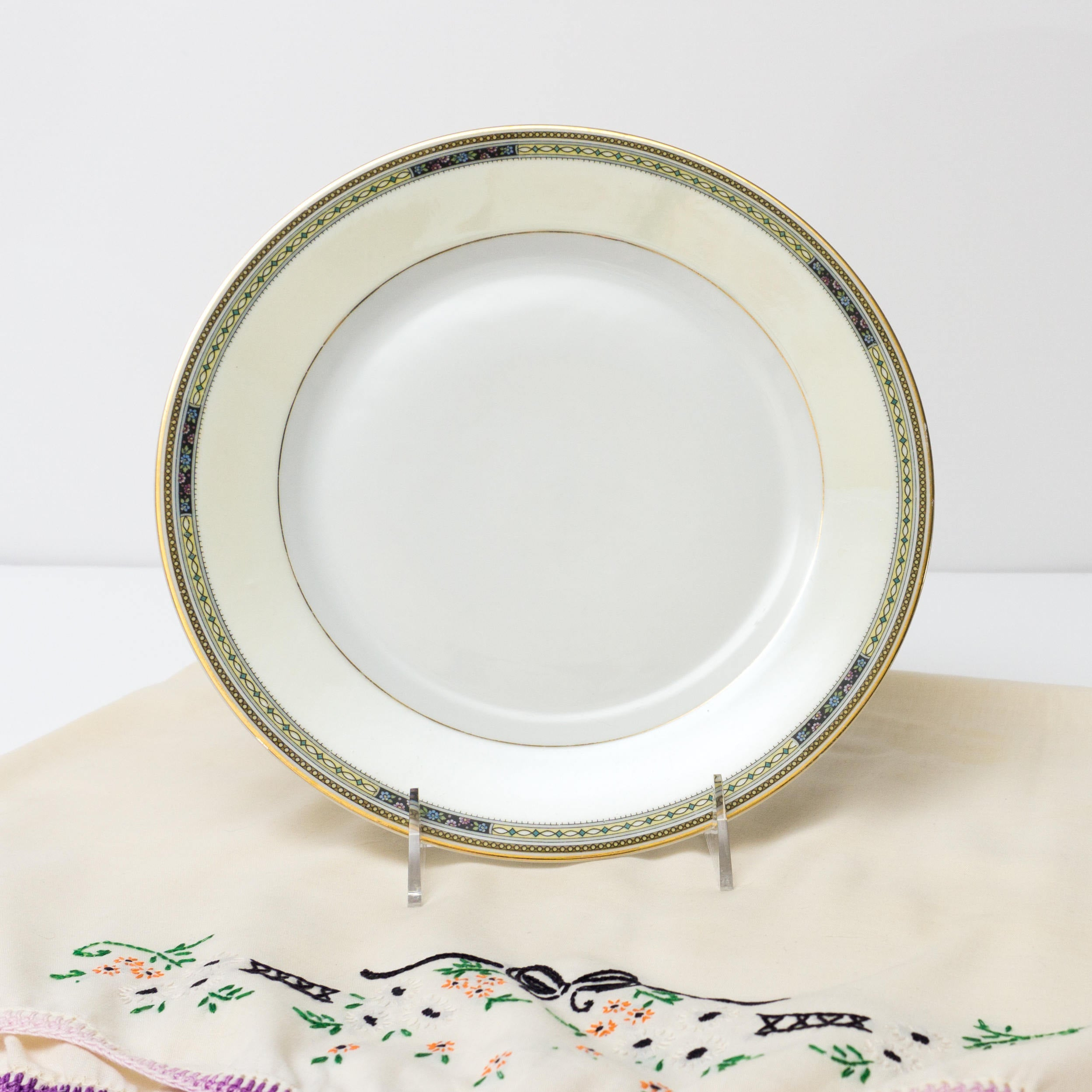 Antique Bavarian China Heinrich & Co Pattern 10263 Bread / Dessert Plate 7""
