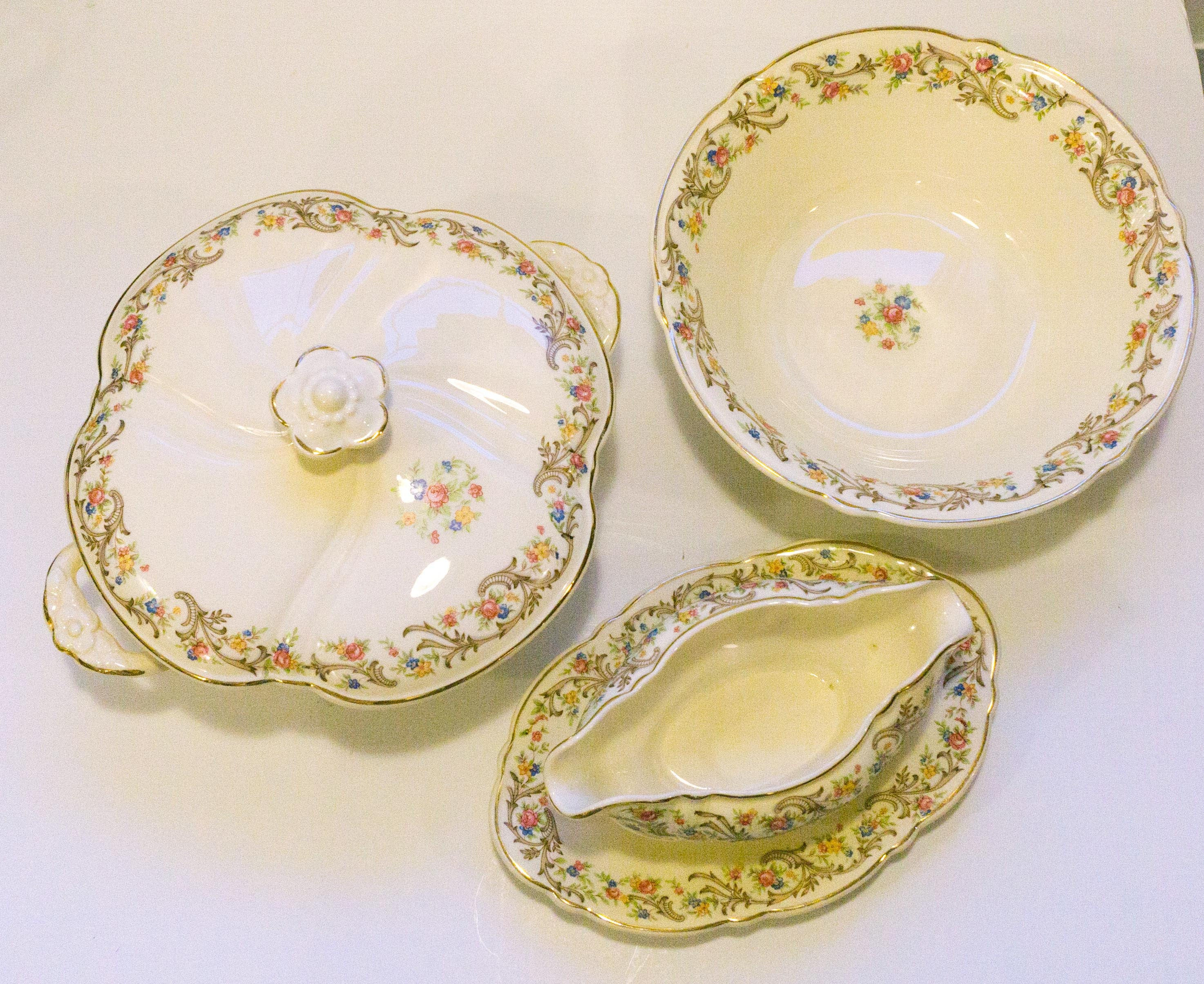 THREE PIECES Vintage 1942 Taylor Smith and Taylor USA Vogue Scroll & Floral Rim Floral Center TST180