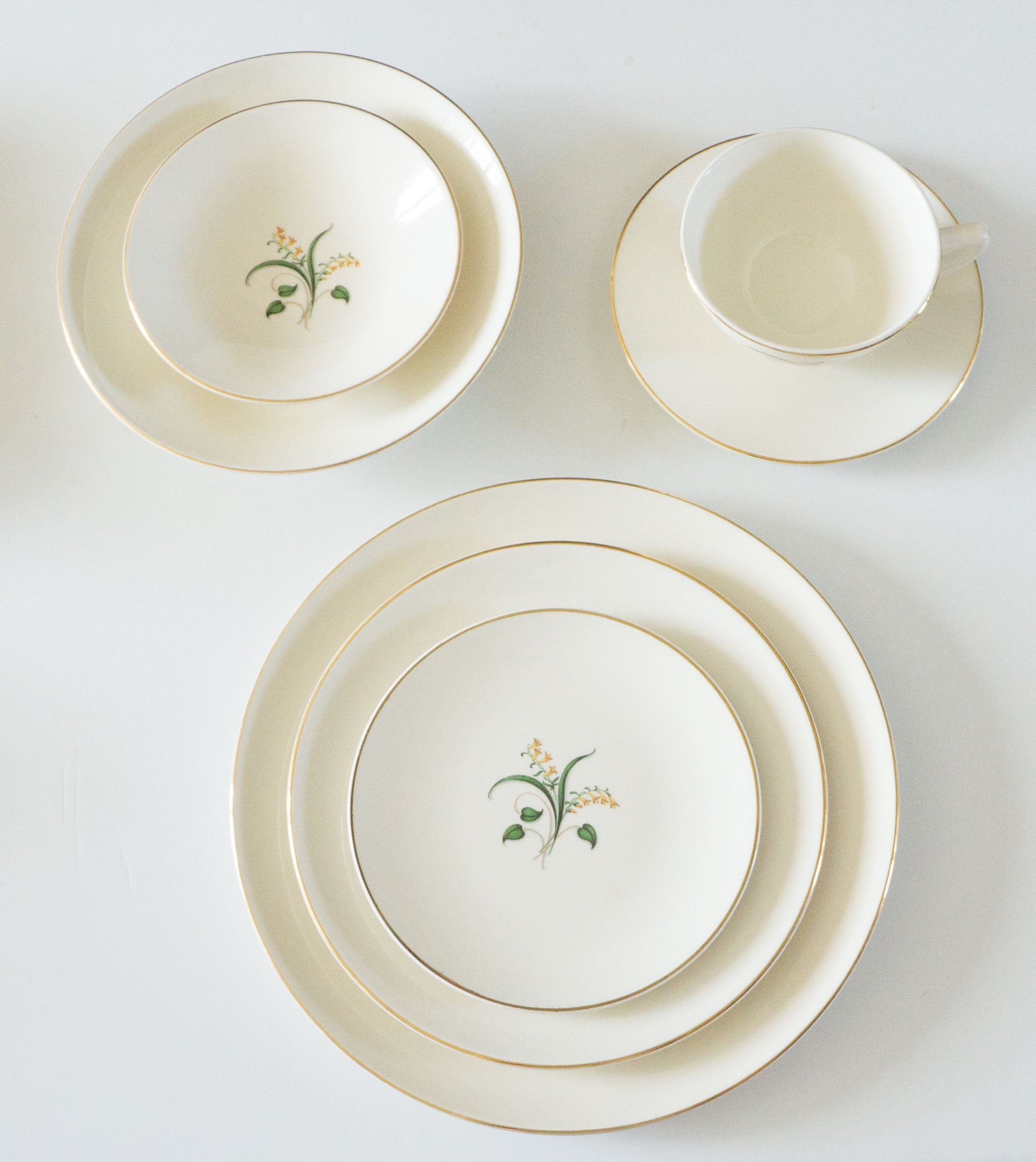 Vintage Forsythia by Knowles Pottery Co ca 1953 - Seven Piece Place Setting