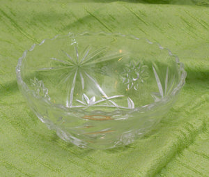 Anchor Hocking Early American Prescut Clear 5-1/4 inch Scalloped Bowl - Candy Dish, Original Label 1960's