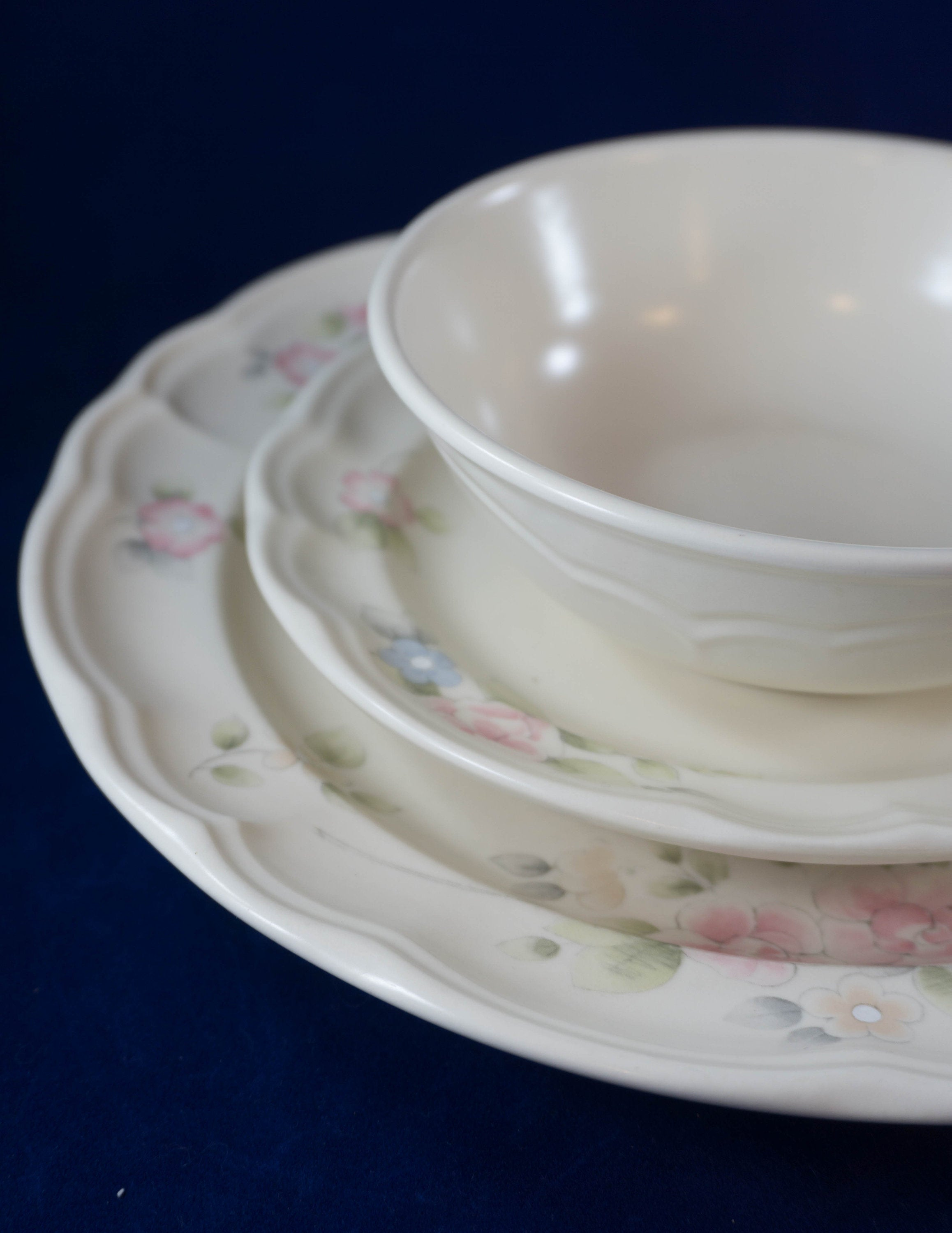 Five Piece Place Setting Vintage Discontinued Plate Tea Rose by PFALTZGRAFF