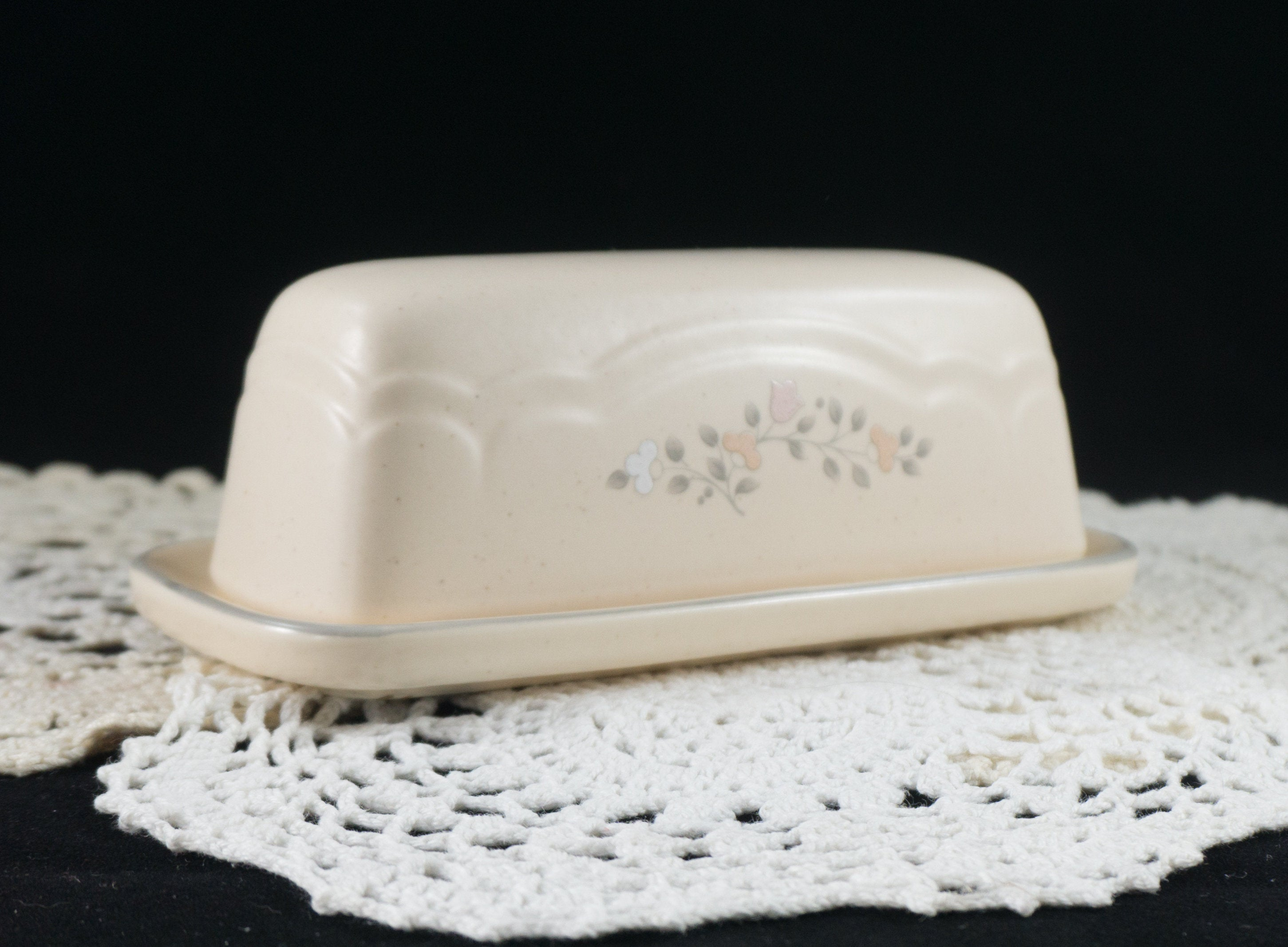 Pfaltzgraff Remembrance Pattern Covered Butter Dish Discontinued