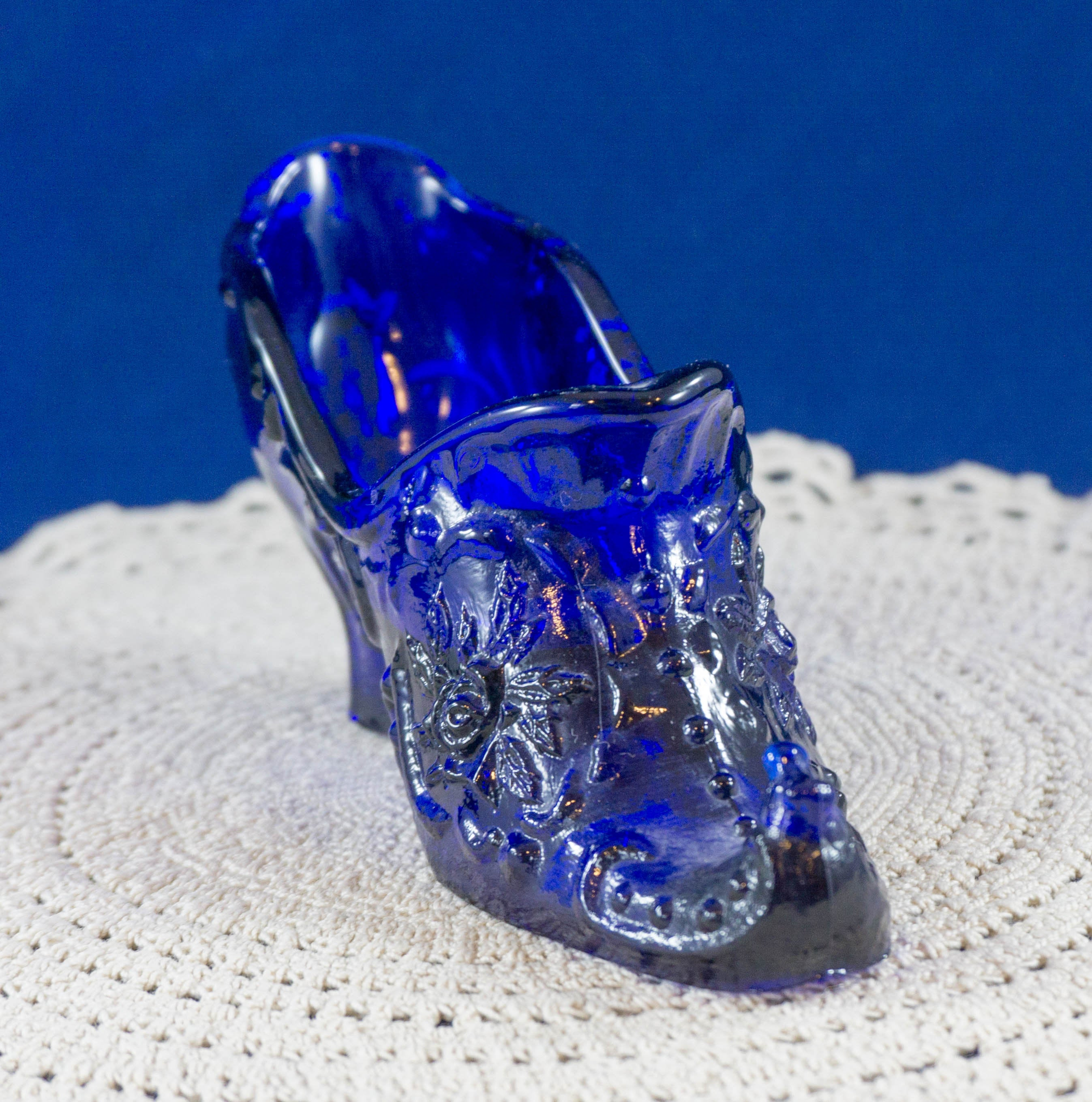 Vintage Large Royal Blue Glass Slipper Animals & Figurines by MOSSER (OHIO)