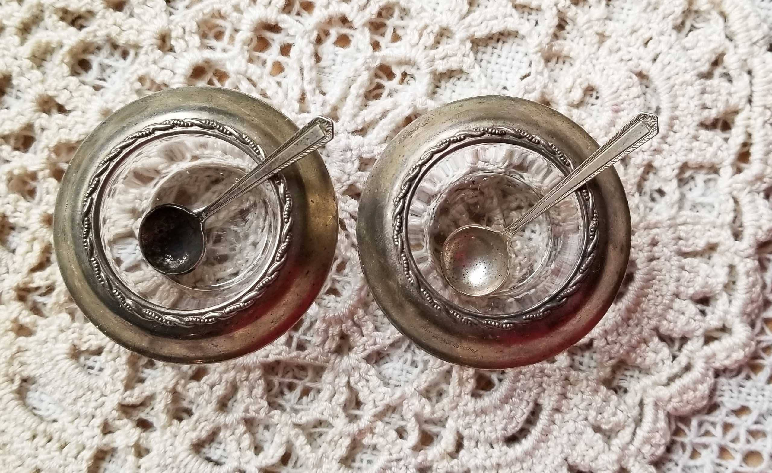 Vintage Discontinued Pair of Individual Sterling and Crystal Salt Cellars with Spoons Fine Arts Processional Pattern