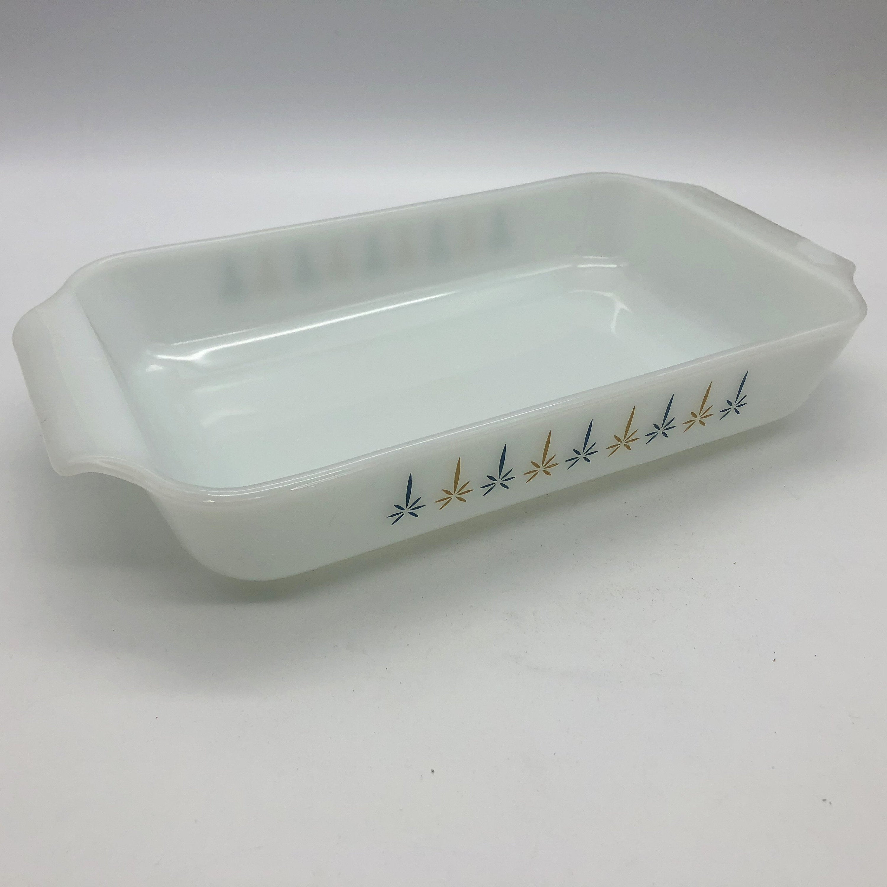 Discontinued 432 Rectangular 6x10 Candle Glow Anchor Hocking Fire King Open Baking Casserole Milk Glass Dish 1.5 Qt