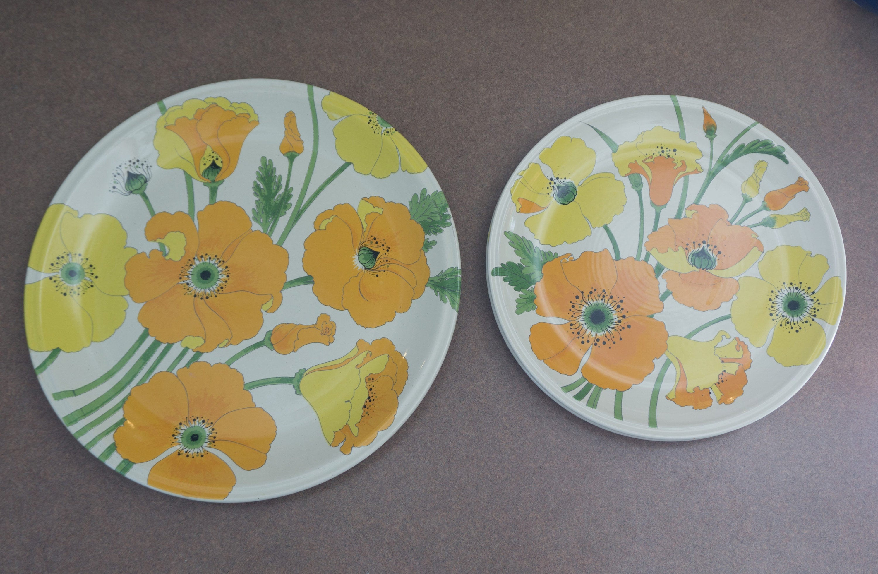 "Vintage 1970s 13"" Chop Plate with Two 10-7/8"" Dinner Plates -  Wild Poppy Yellow by METLOX - POPPYTRAIL - VERNON"