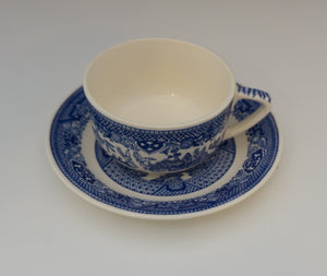 EIGHT Sets Flat Cup & Saucer Set Blue Willow by ROYAL (USA) with Four Extra Saucers