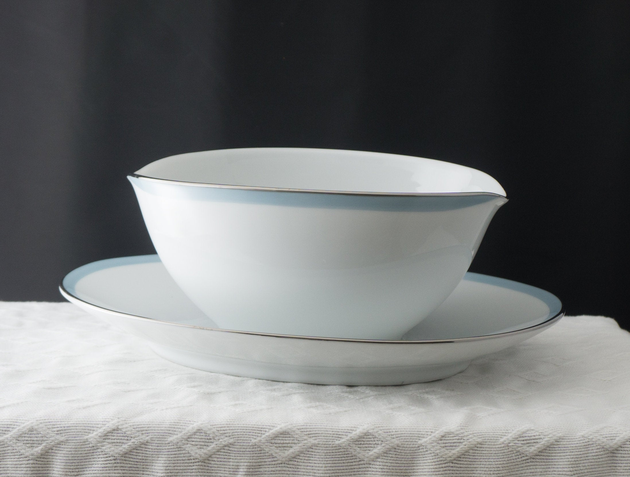 Vintage Gravy Boat with Attached Underplate Bluetone by NORITAKE