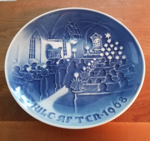 Vintage B & G Bing and Grondahl Christmas Plate Jule After 1968 Christmas in Church