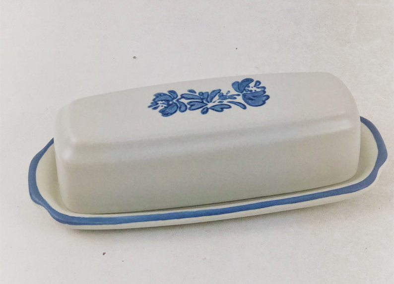 Vintage Discontinued Pfaltzgraff Yorktowne USA 1/4 Lb Covered Butter Dish