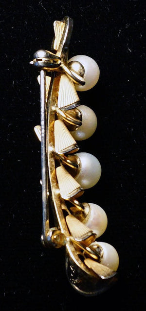 Signed Vintage DCE Curtis Jewelry Mfg. Co Gold and Pearl Peapod Brooch