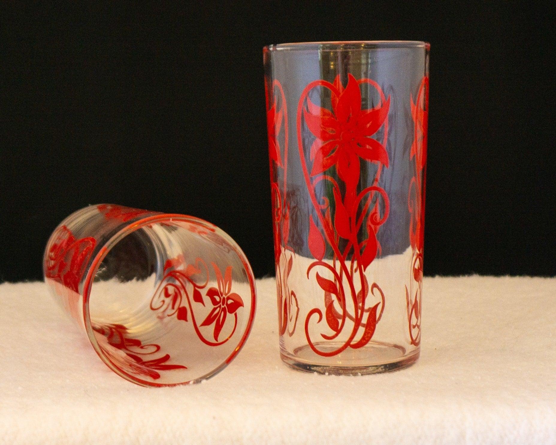 Mid Century Federal Juice Glasses Set of Two Red Flower Motif 8 ounce