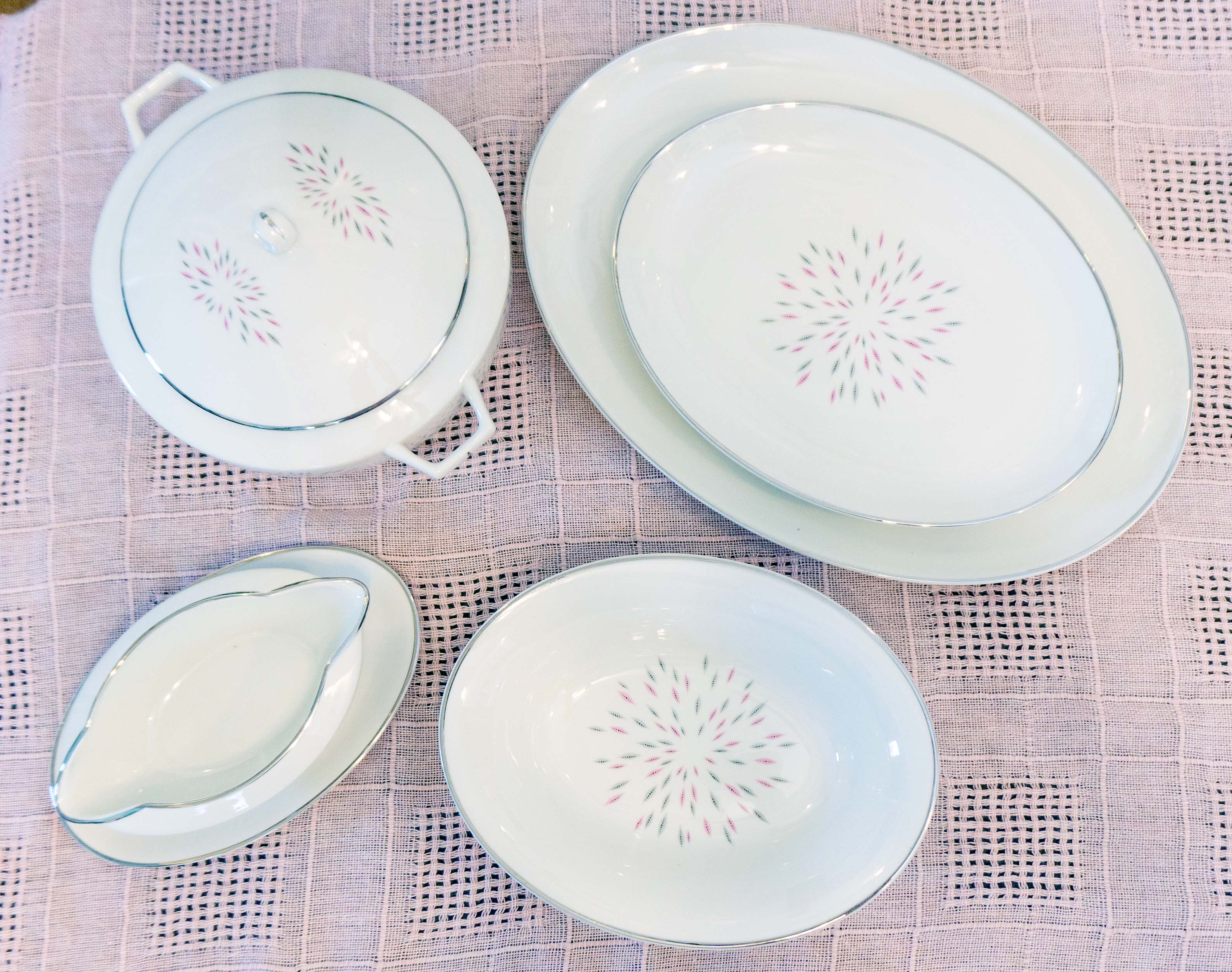 Royal Chatham Soiree Mid Century Modern Five Serving Pieces
