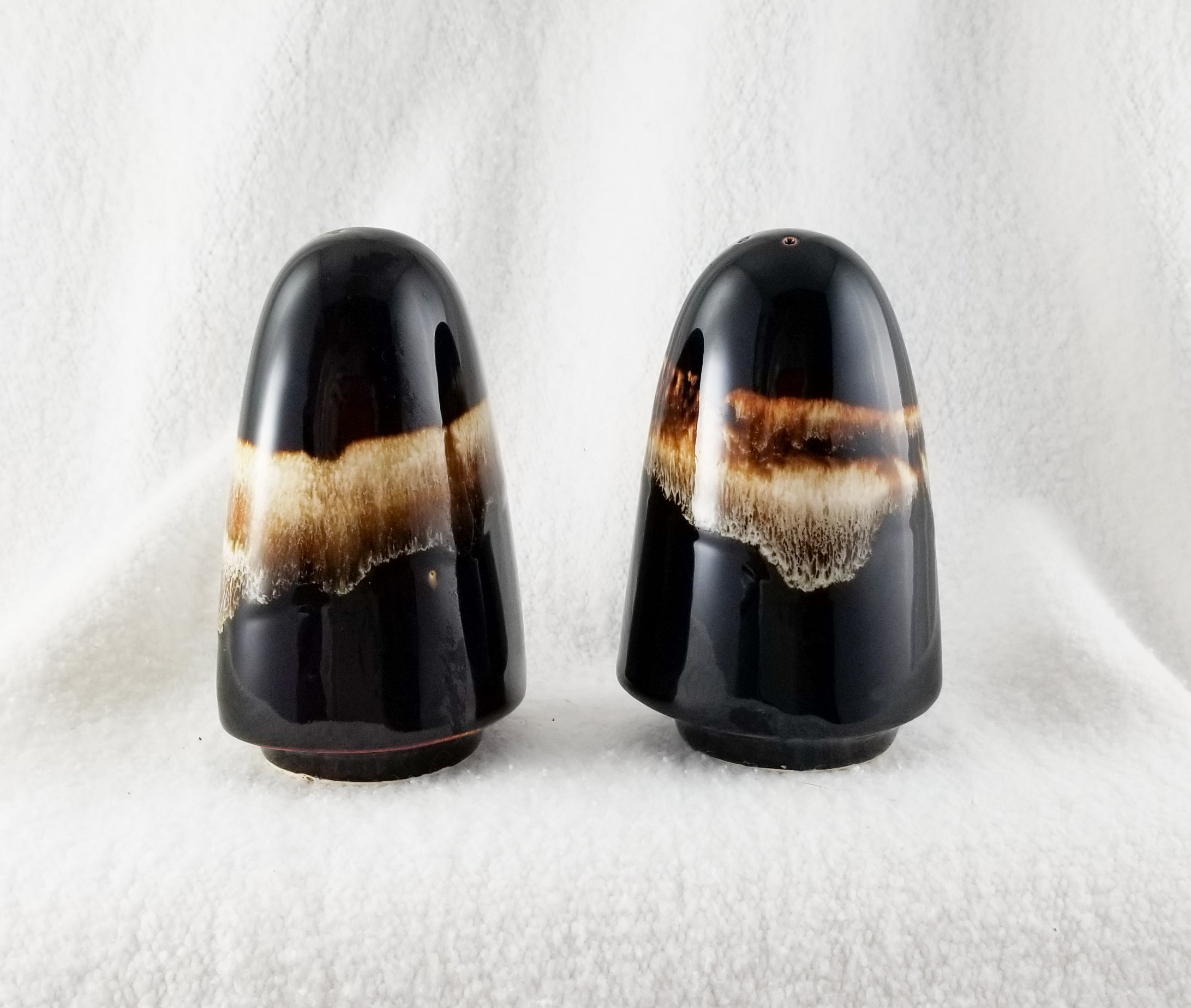 Vintage Discontinued Salt and Pepper set in Gourmet Brown Drip by Pfaltzgraff (USA)