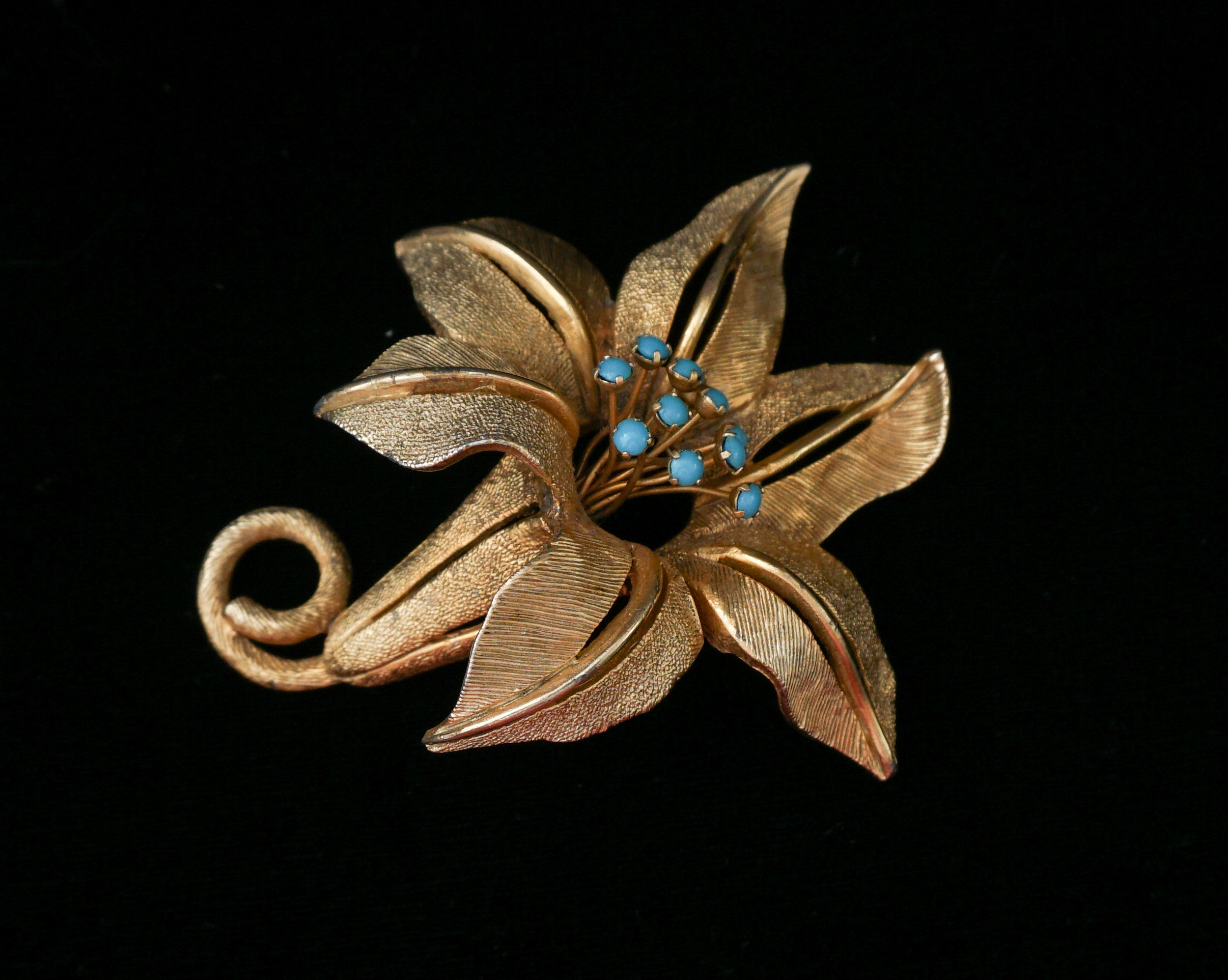 Signed Schrager Lily Goldtone Brooch with Turquoise Stamen Vintage Jewelry