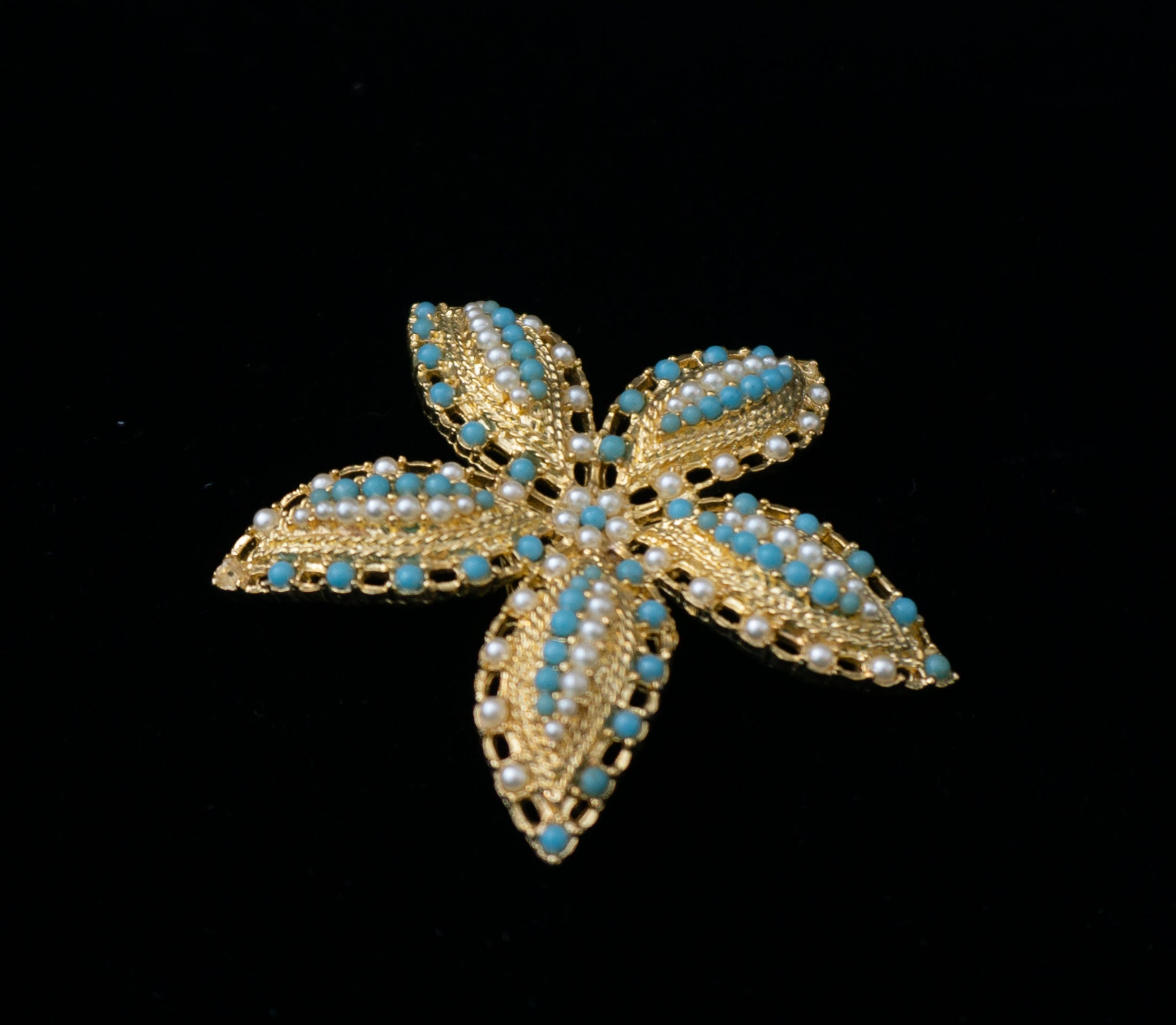 Signed Sarah Coventry Ocean Star Goldtone Seed Pearl Brooch Pin