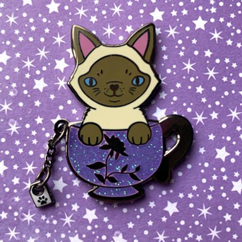 Oolong Tea Cat Pin Pin Ash Evans