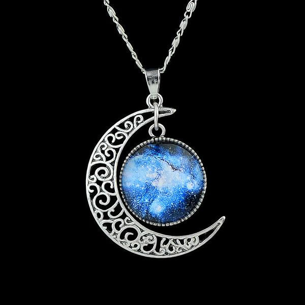 Moon Shaped Rhinestone Decorated Necklace