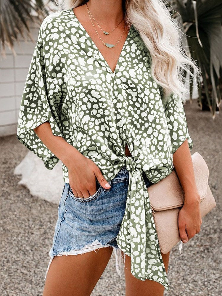 Geometric V-Neck Print Standard Three-Quarter Sleeve Blouse