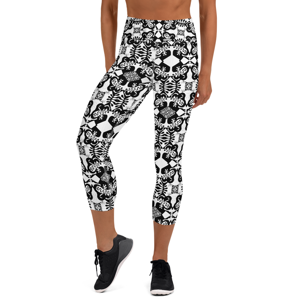 BYM Black and White Fleurs Yoga Capri Leggings