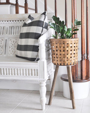 New Home Decor The only thing our entryway is missing is a precious planter like @cherishdreaml…